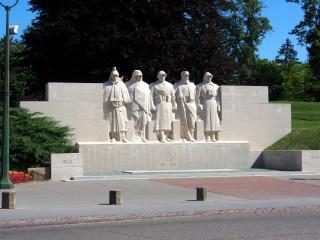 Verdun W.W.1 Memorial | AlfvanBeem (Own work) [CC0], via Wikimedia Commons