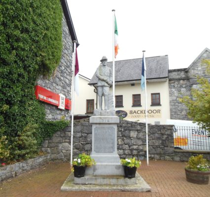 Statue of Joe Howley, Oranmore | Photo: Courtesy Dr. Mark McCarthy